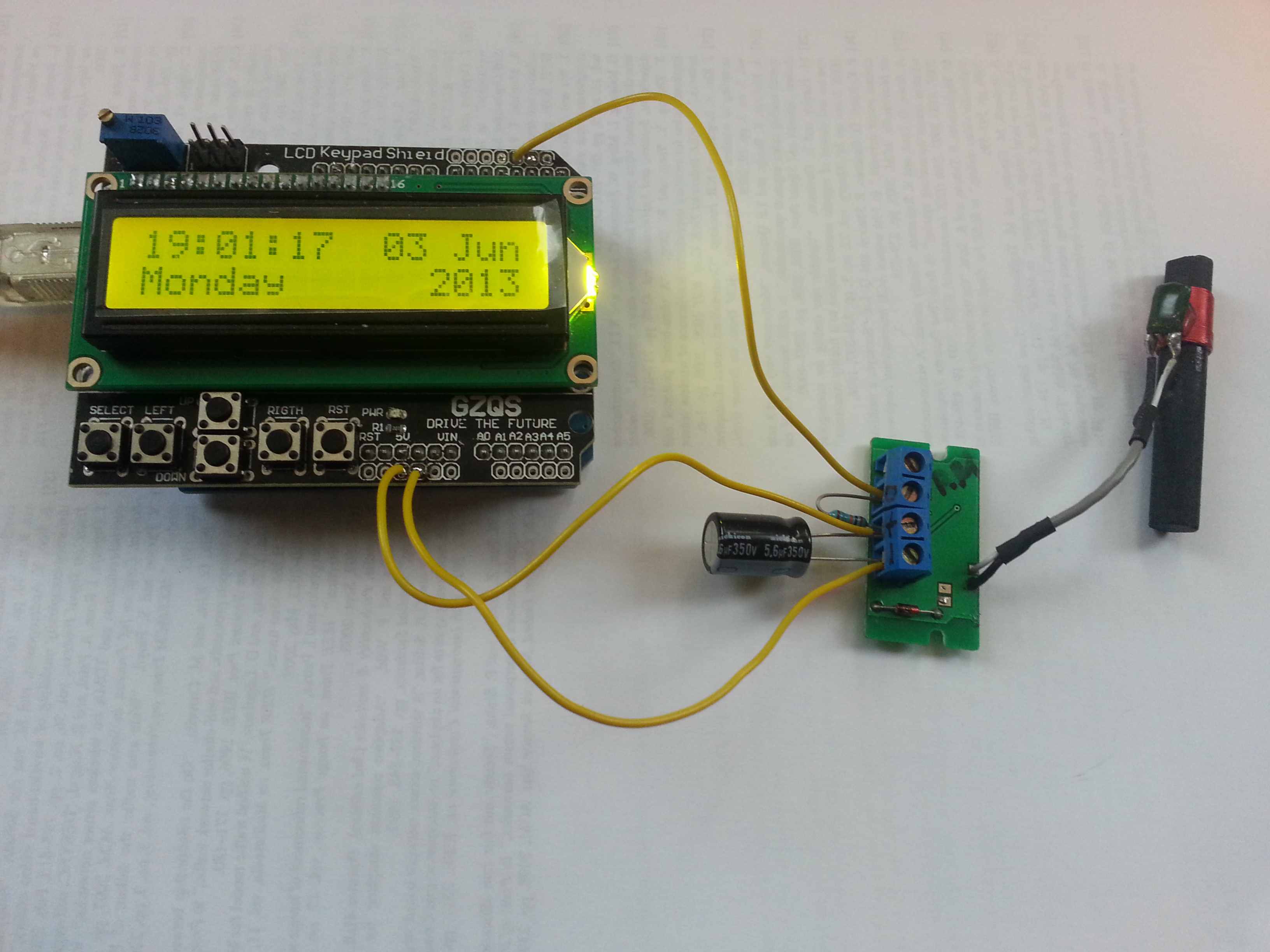 DCF77 TimeZone Example on LCD Display