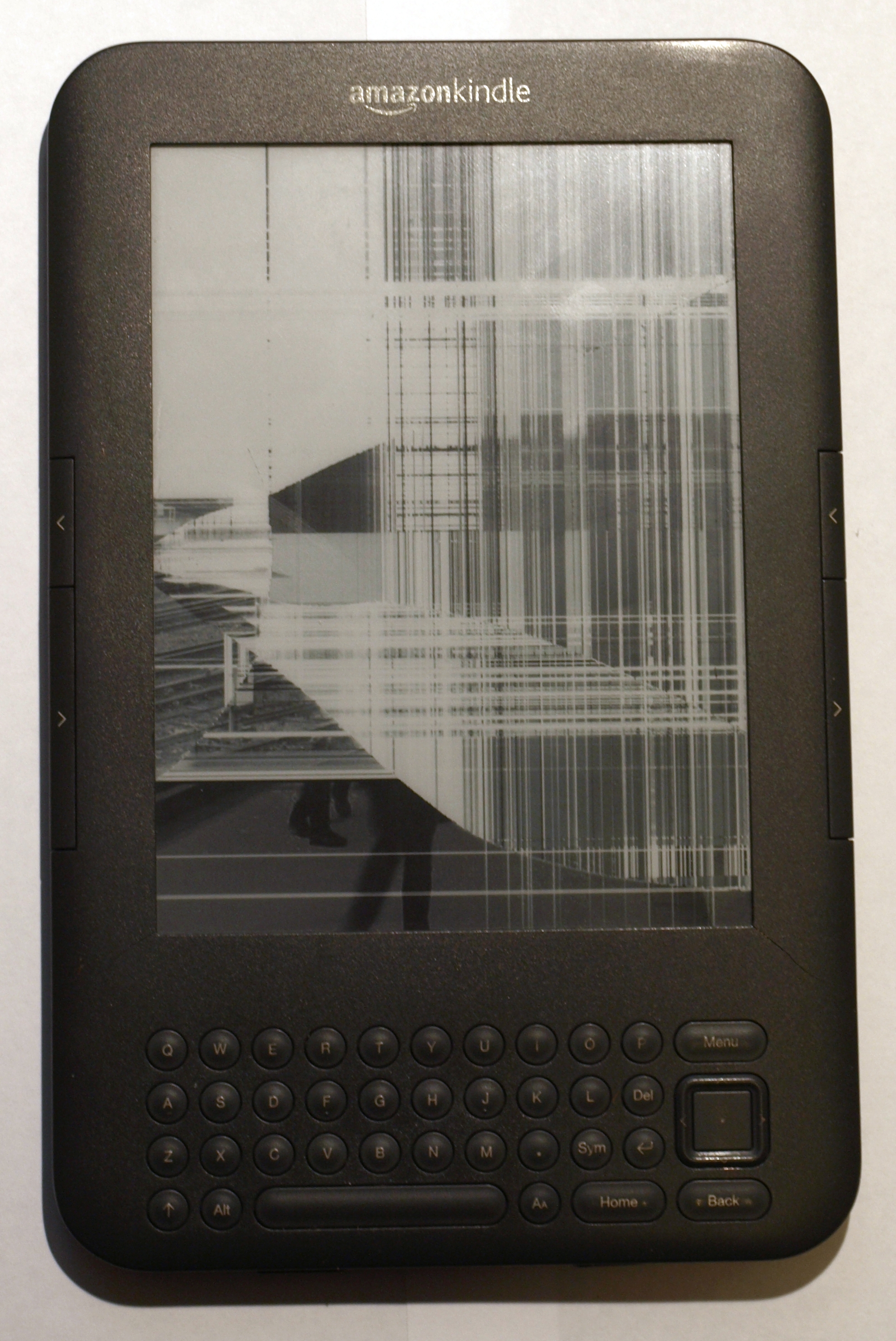 Smashed Kindle 3 Screen