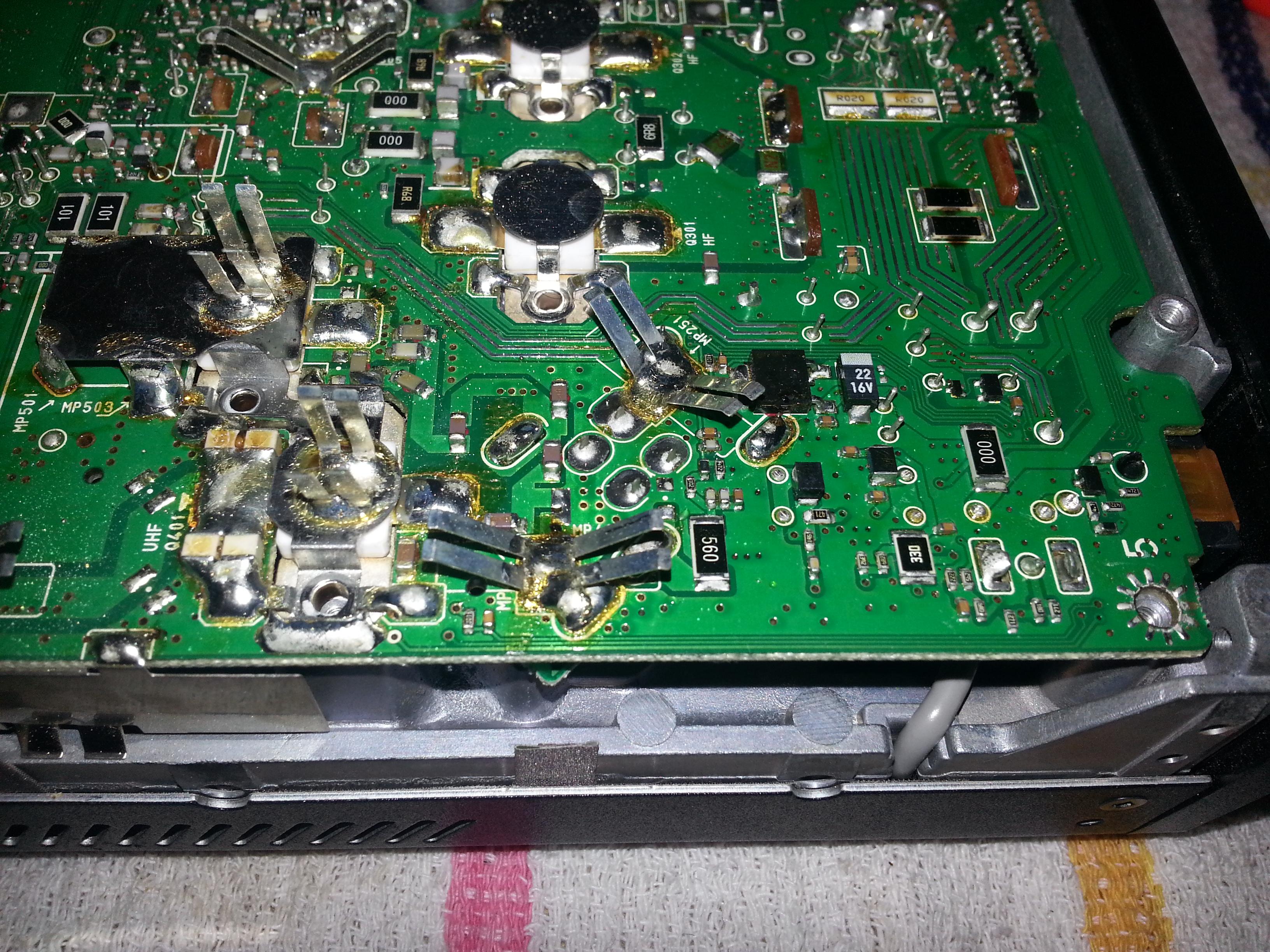 Inside the Icom 7000